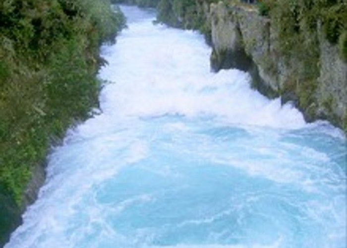 Rapids above Huka Falls.