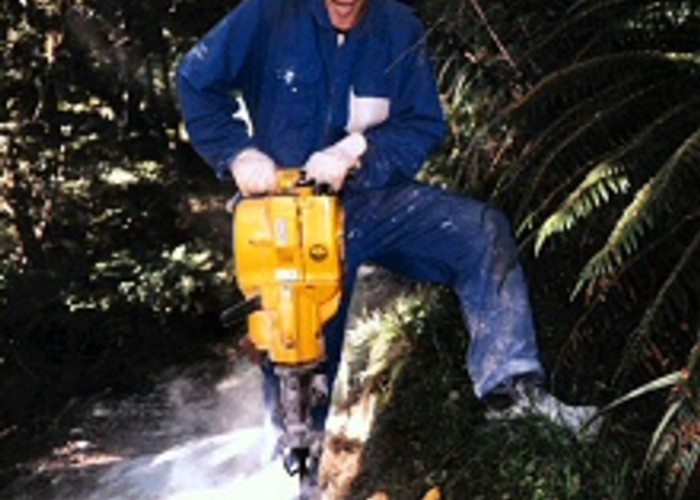 Geoff on rock drill, Certificate of Conservation work experience, Routeburn Track