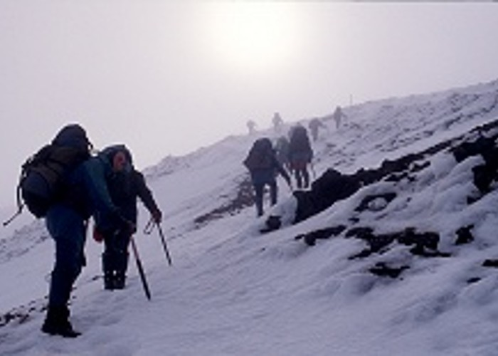 Climbing Red Craterr, Tongariro Crossing in winter