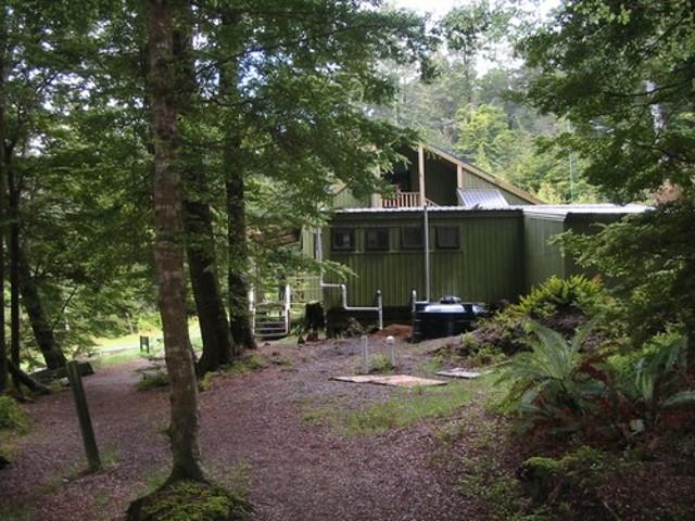 Motorau Hut