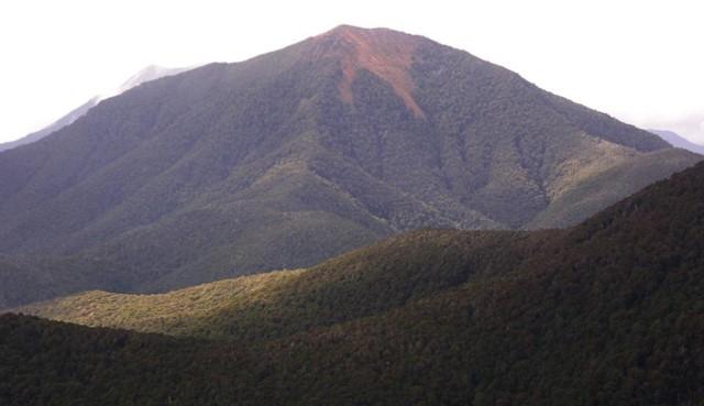 Mt Lodestone