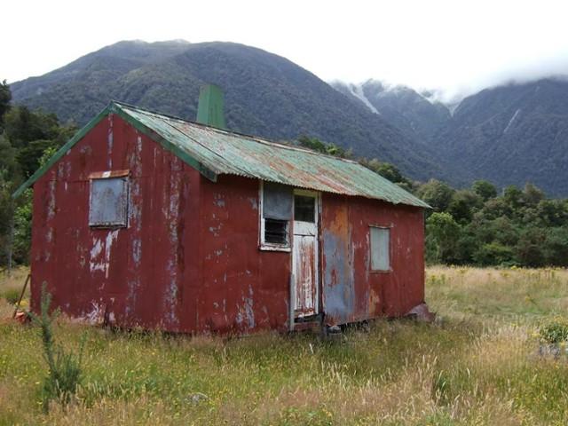 Seven Mile hut  Jan 2008