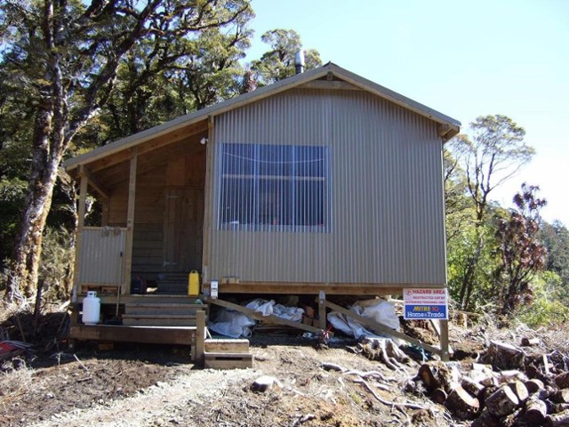 Porch end view of Lyell Saddle hut  Sept 2011