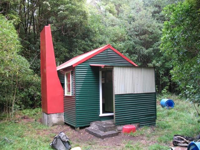 Waiorongomai Hut