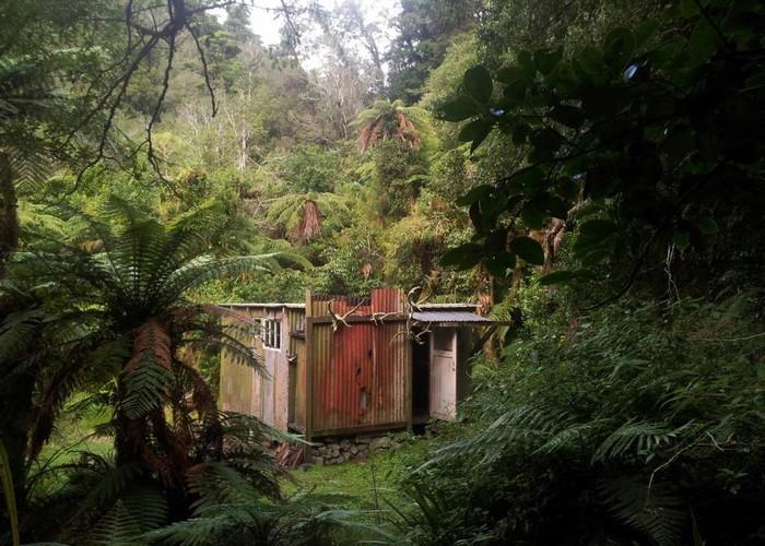 Snowy Hut / Snowy River Hut | New Zealand Tramper
