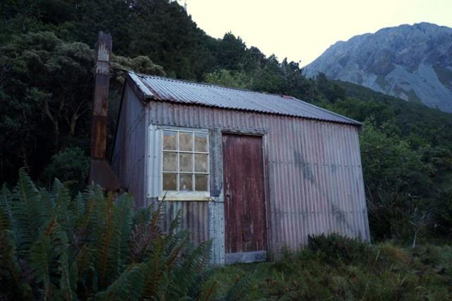 Moraine Hut