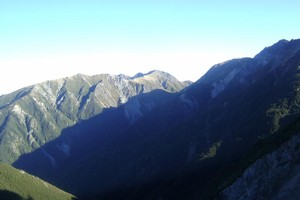 3 Johns and Te Atuaoparapara from near Sunrise hut Ruahines.