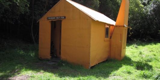 Pararaki Hut