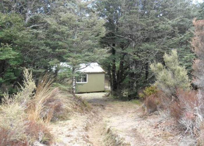 Kiwi Saddle Hut