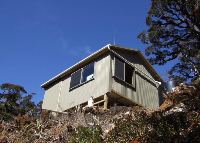 Lyell Saddle hut  Sept 2011