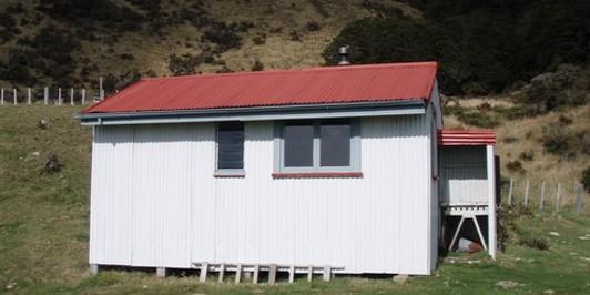 Hikurangi Hut