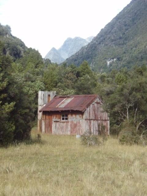Prices Flat Hut (historic)