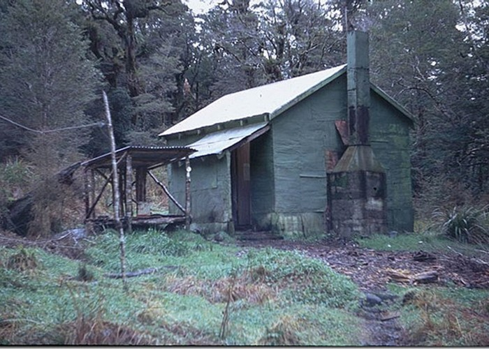 Old Waitewaiwai Hut