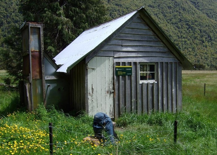 Downie Hut  Dec 2014