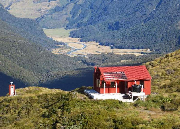 Liverpool Hut | New Zealand Tramper