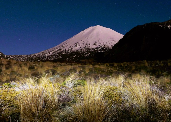 Ngauruhoe under a super moon