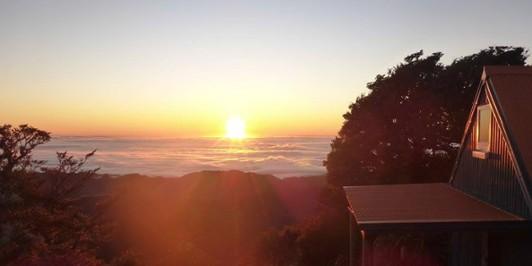 Sunrise from Howletts Hut