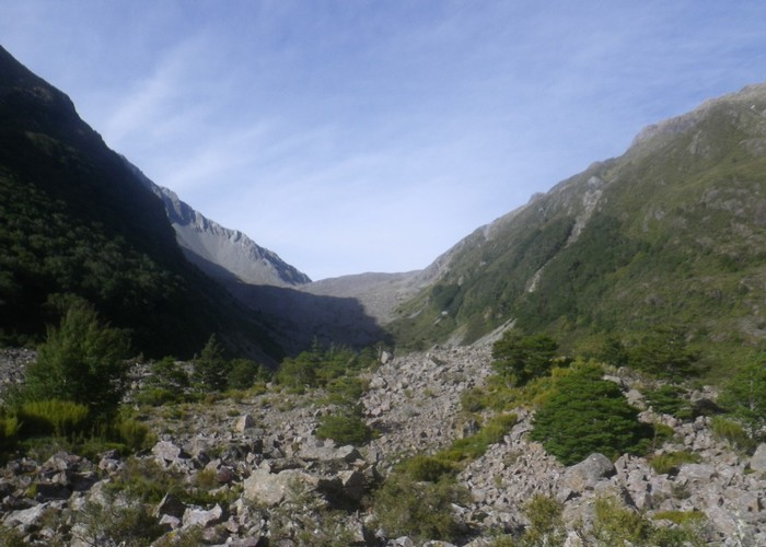 Ascent to Taruahuna Pass