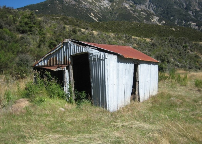 Old Bridge hut