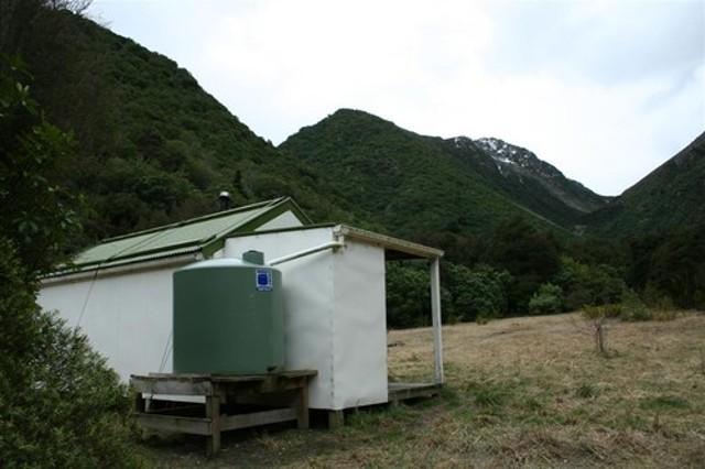 Kowhai Hut