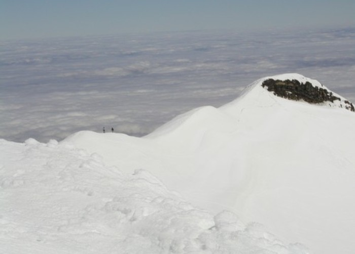 The ridge to Dome shelter on Ruapehu