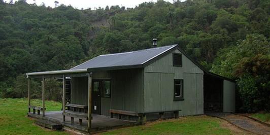 Parawai Lodge, Tararuas (Otaki Forks)