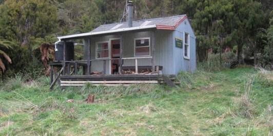 Whangatawhia  (Skips) Hut