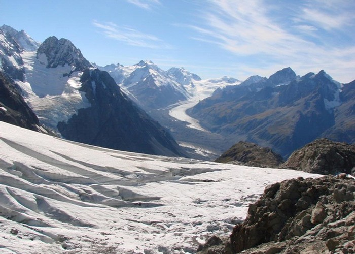 The view over the Ball glacier to the Tasman side of the Main Divide