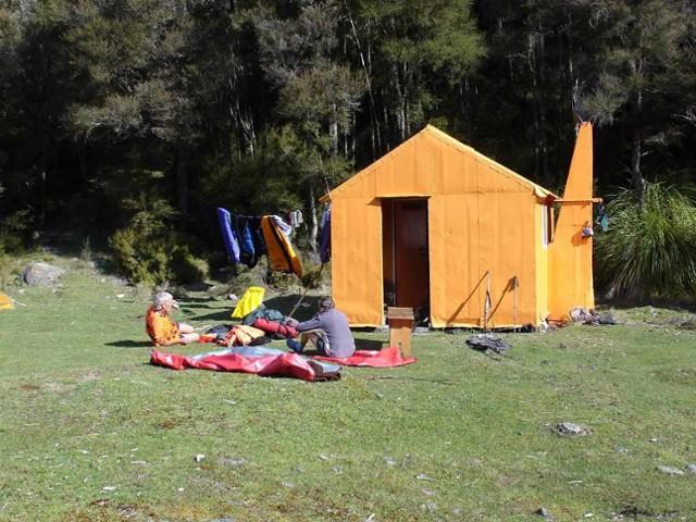 Kiwi Mouth Hut