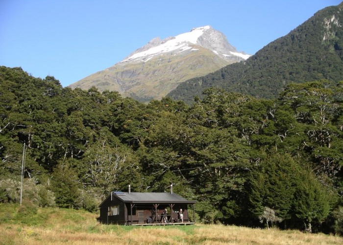 Kerrin Forks hut with Mt Aeolus behind