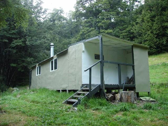 Lake Chalice Hut