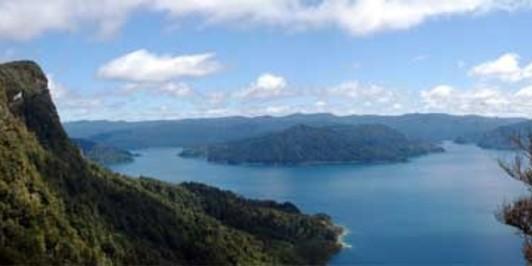 Panekiri Bluff overlooking Lake Waikaremoana