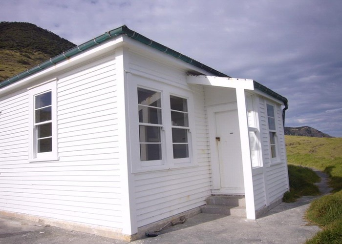 Cape Brett Hut