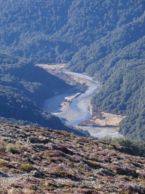 Waipakihi Valley from the Urchin Ridge
