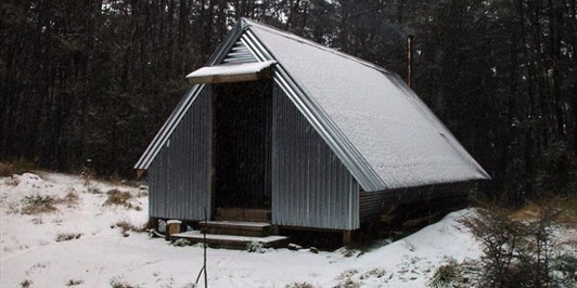 Benmore Hut with new porch