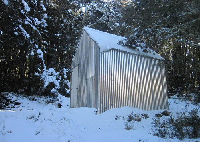 Lagoon Saddle hut in the Snow