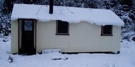 Cedar Flat Hut August 2008