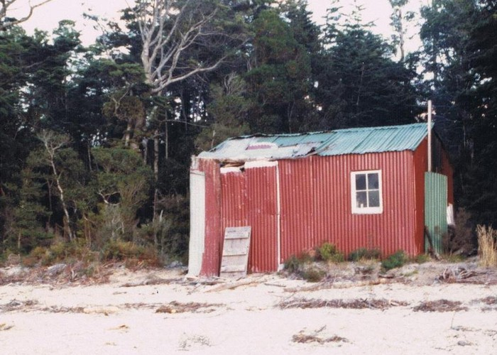 """Old"" Lake Poteriteri hut (Removed)  1982"