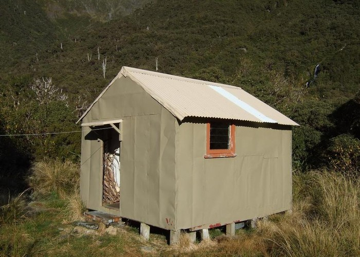 Mullins Basin hut  April 2008