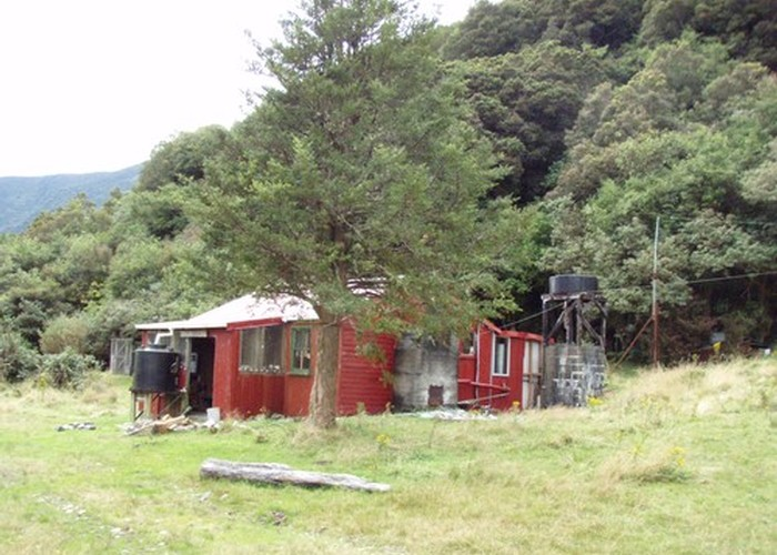 Dillons Hut (historic)