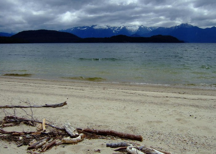 beach at Manapouri Lake