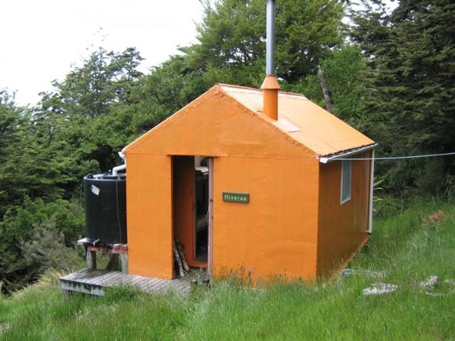 Hinerua Hut